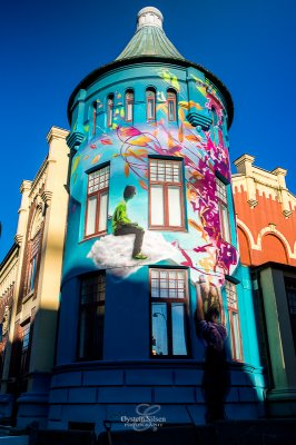 House of misicians, decorated by artistic colors and art